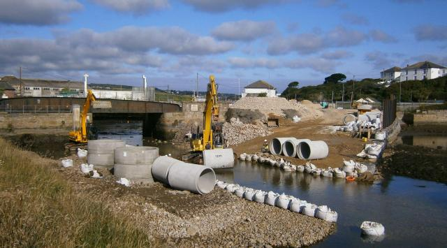 Building the temporary causeway within the Site of Special Scientific Interest